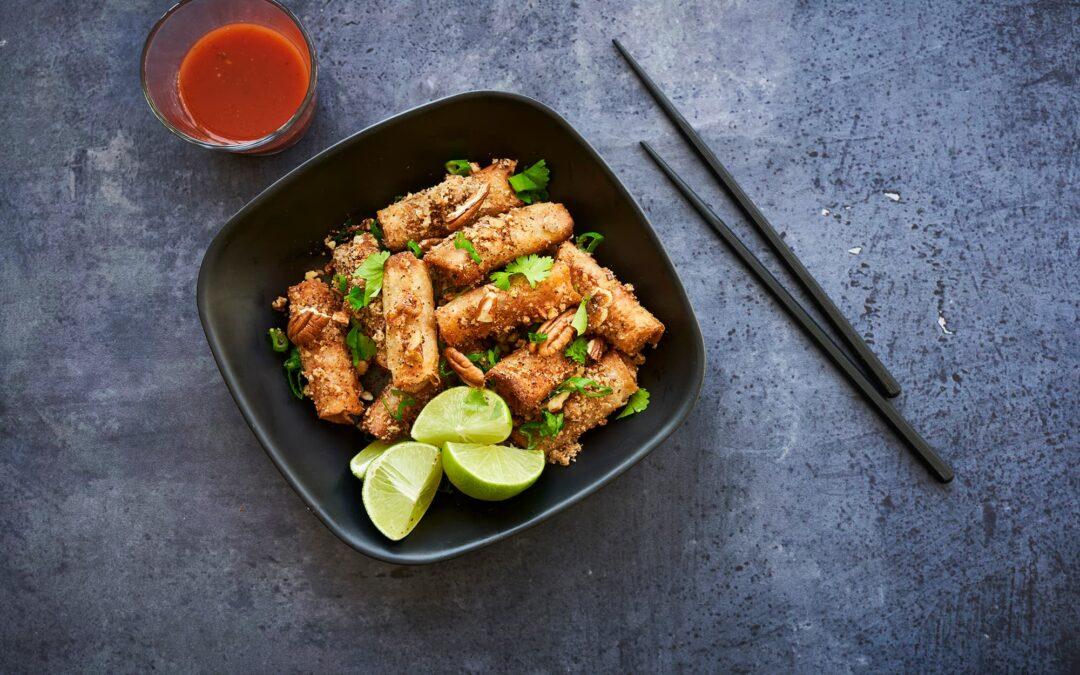 "Mini Spring Rolls Panang Style Vegetables med ""Crunchy cashew crust"""