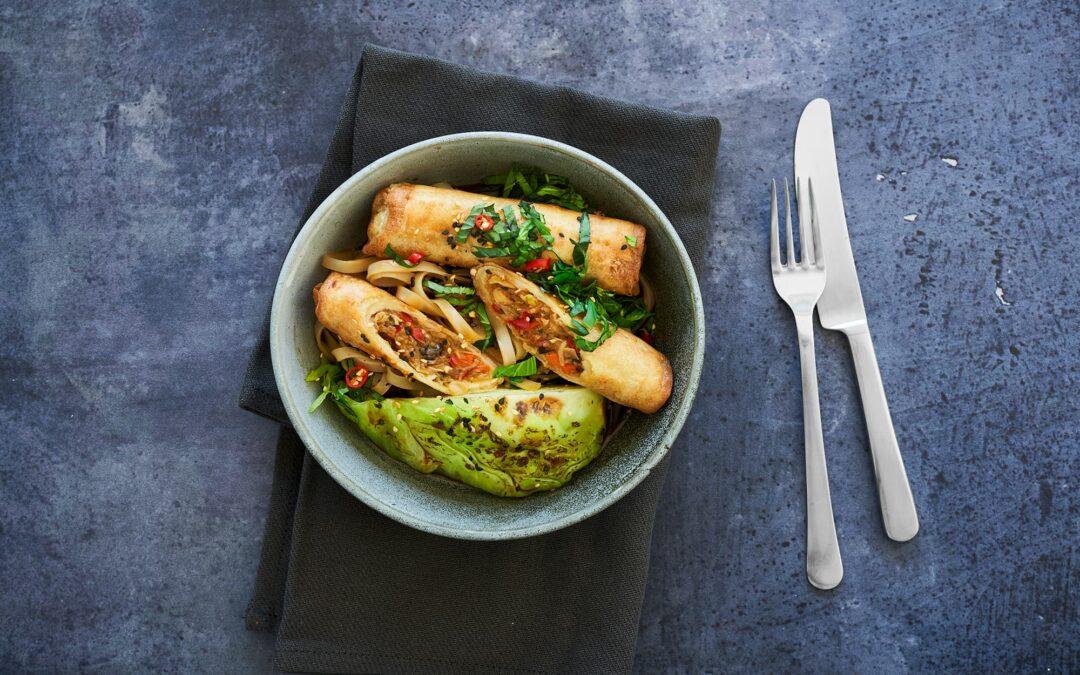 Spring Rolls Vietnamese Style Vegetables med Spetskål-chunks och glasnudlar